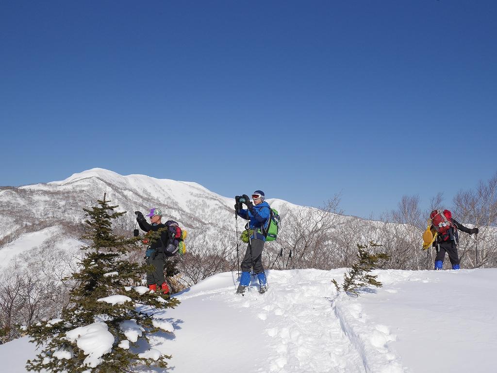 オコタンペ山、漁岳、小漁山からオコタンペ湖、2月28日-オコタンペ山から漁岳編-_f0138096_11311367.jpg