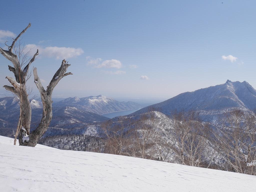 オコタンペ山、漁岳、小漁山からオコタンペ湖、2月28日-オコタンペ山から漁岳編-_f0138096_11315258.jpg