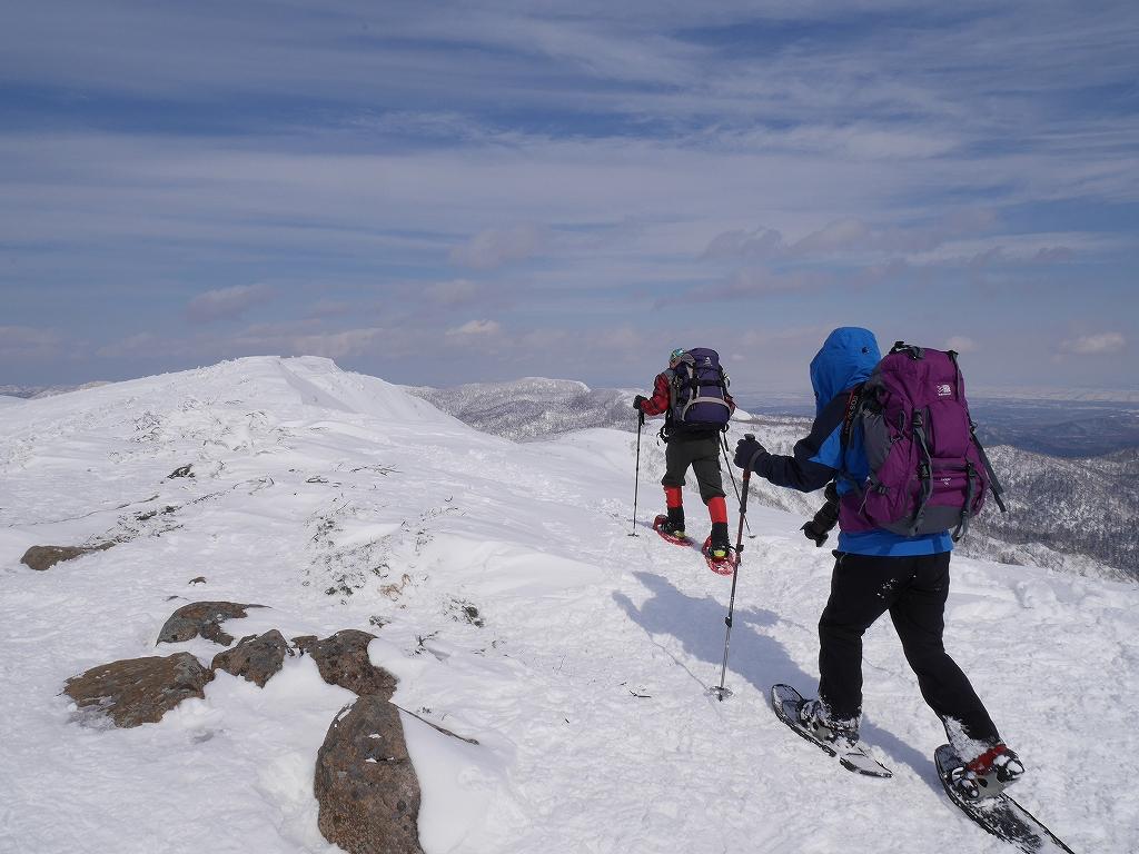 オコタンペ山、漁岳、小漁山からオコタンペ湖、2月28日-オコタンペ山から漁岳編-_f0138096_1133215.jpg