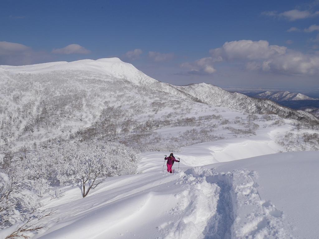 オコタンペ山、漁岳、小漁山からオコタンペ湖、2月28日-下山編-_f0138096_2253309.jpg