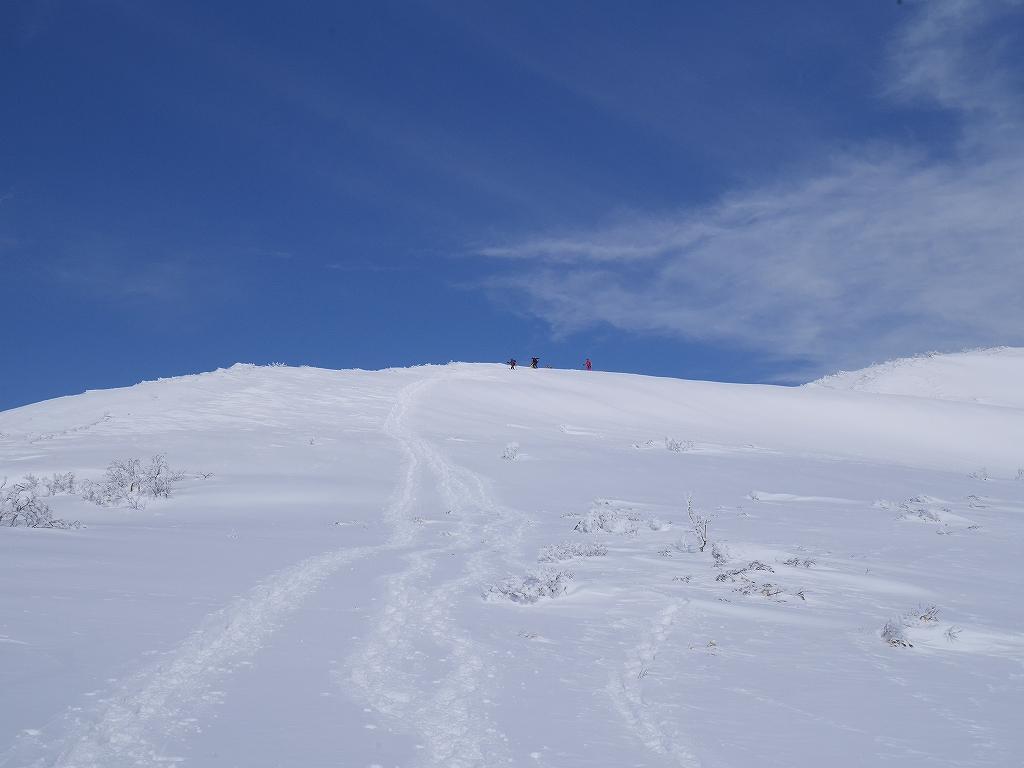 オコタンペ山、漁岳、小漁山からオコタンペ湖、2月28日-下山編-_f0138096_2253972.jpg