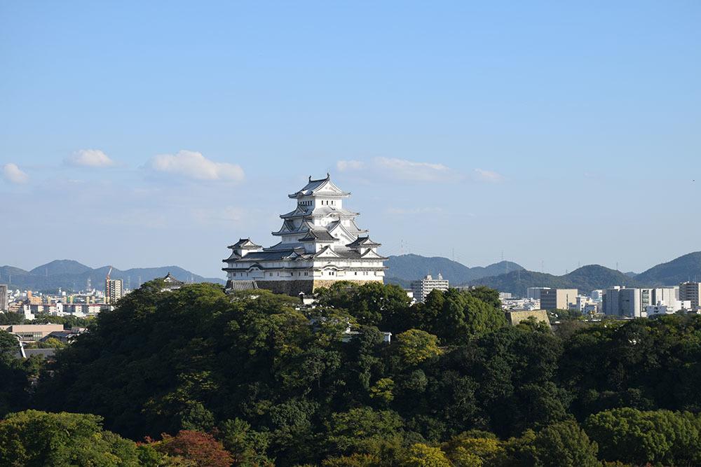 白鷺の天守閣がよみがえった姫路城を歩く。 その10 ~男山・千姫天満宮・配水公園~_e0158128_19355779.jpg