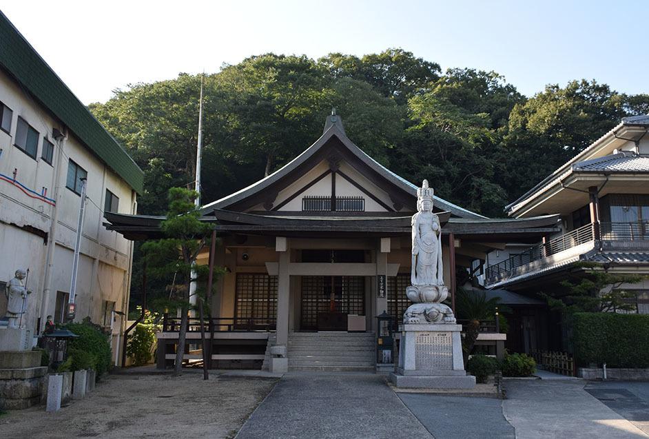 白鷺の天守閣がよみがえった姫路城を歩く。 その11 ~池田輝政公菩提寺旧蹟~_e0158128_20042581.jpg