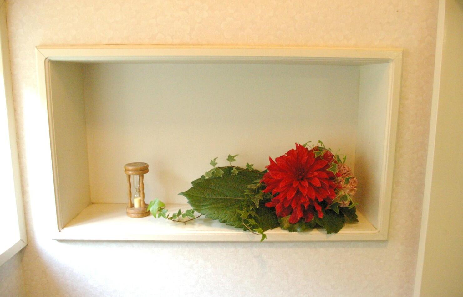今週のトイレの花。_d0179763_13343325.jpg