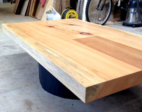 一枚板のテーブル_f0171785_1753919.jpg
