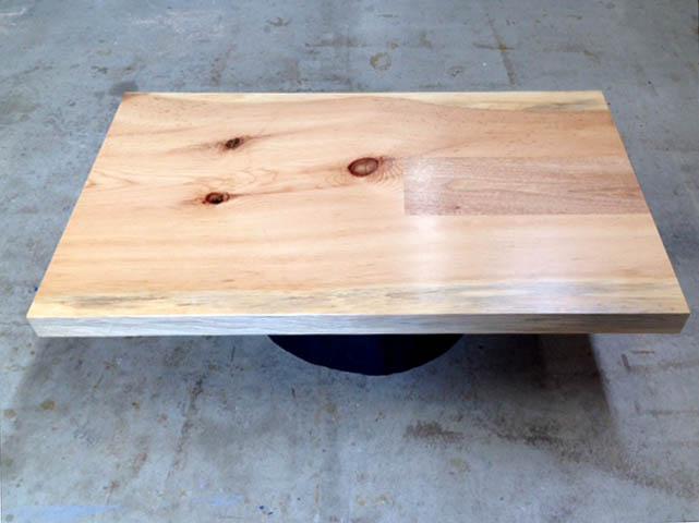 一枚板のテーブル_f0171785_17541662.jpg