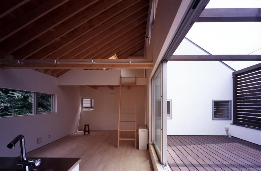 竣工写真の紹介です・その2(Inner Deck House)_b0061387_13241974.jpg