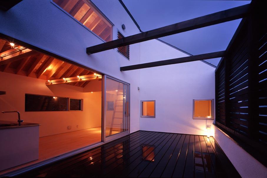 竣工写真の紹介です・その2(Inner Deck House)_b0061387_13243294.jpg