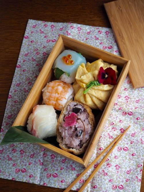 手まり寿司弁当_c0270834_7462070.jpg