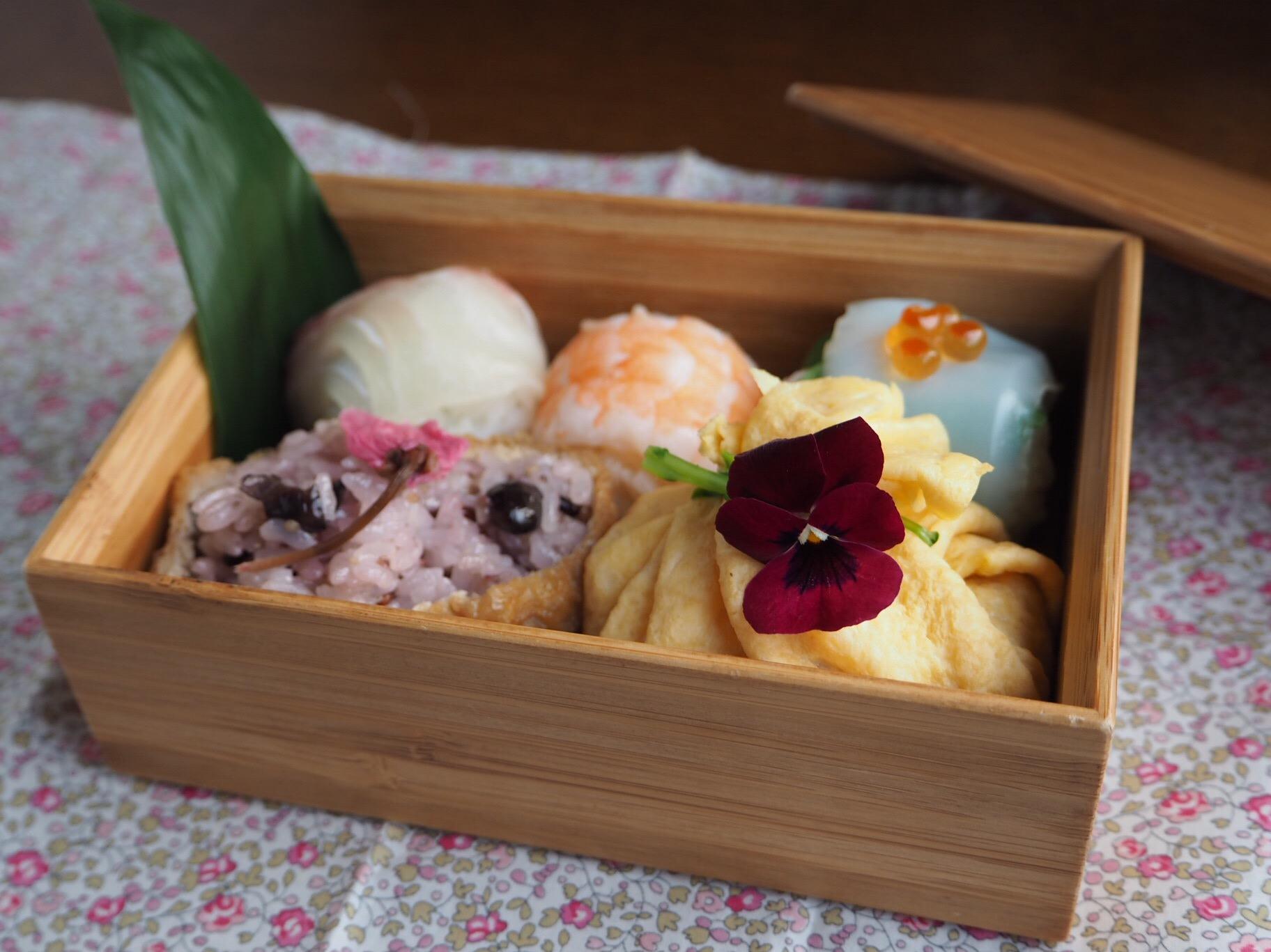 手まり寿司弁当_c0270834_81245.jpg