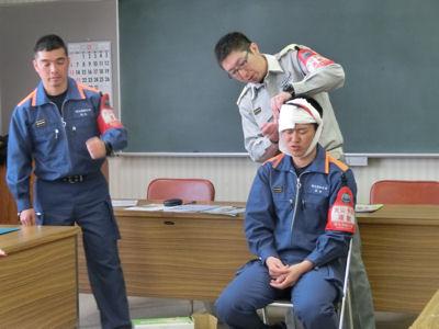 三角巾はすぐれもの 「救急講習会」_f0019247_0183827.jpg