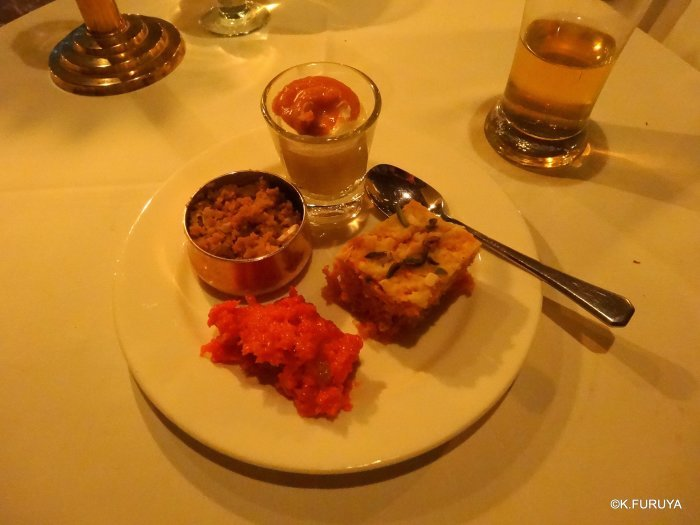 インド・ラジャスタンの旅 10 アジット バワン  お食事編_a0092659_14350479.jpg