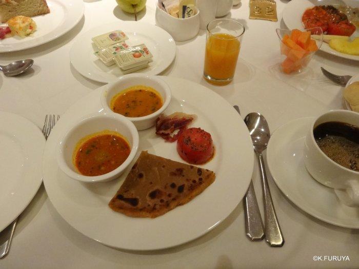 インド・ラジャスタンの旅 10 アジット バワン  お食事編_a0092659_15290613.jpg