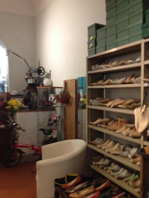 フィレンツェのオーダーメイド靴店の世界(前編)_a0136671_2211655.jpg