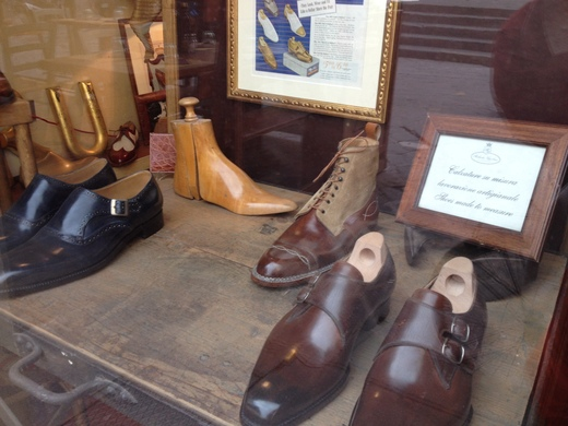 フィレンツェのオーダーメイド靴店の世界(中編)_a0136671_059094.jpg