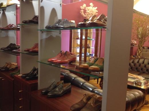 フィレンツェのオーダーメイド靴店の世界(中編)_a0136671_1292566.jpg
