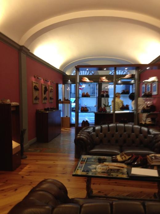 フィレンツェのオーダーメイド靴店の世界(中編)_a0136671_1315363.jpg
