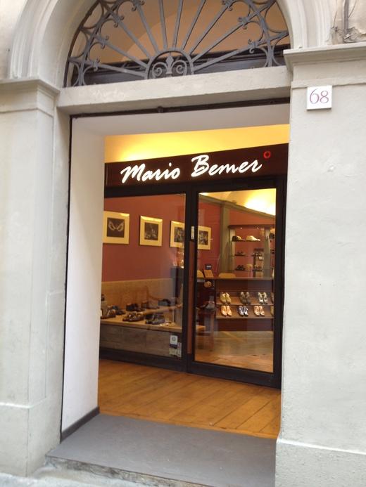 フィレンツェのオーダーメイド靴店の世界(中編)_a0136671_1373483.jpg