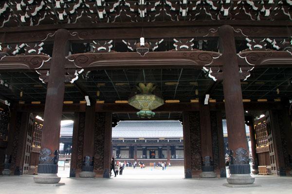 東本願寺 大山門(御影堂門)_e0048413_18112983.jpg
