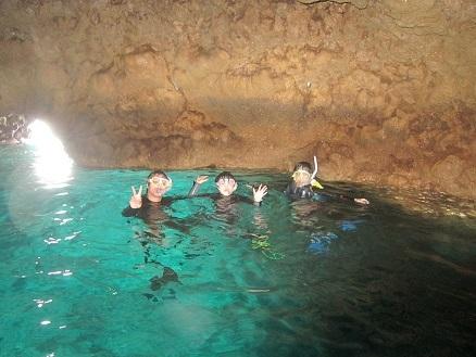 シュノーケルと体験ダイビングで青の洞窟へ!_a0156273_17350103.jpg