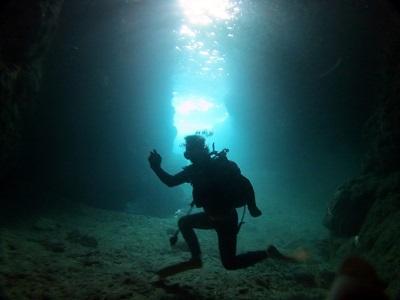 シュノーケルと体験ダイビングで青の洞窟へ!_a0156273_17350197.jpg