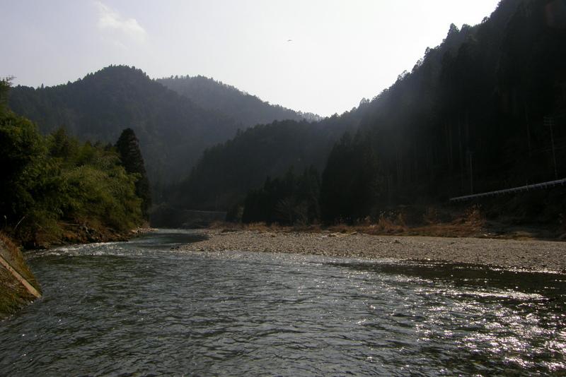川のほとり_c0057390_1164447.jpg