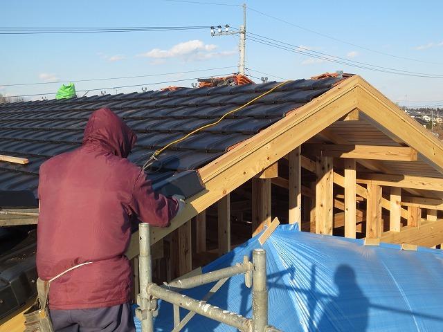 大屋根の本格和室の家⑥(瓦工事)_c0220930_17333552.jpg