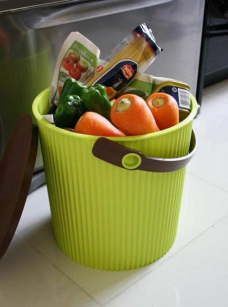 Bucket | Hachiman Kasei_e0149941_2114098.jpg
