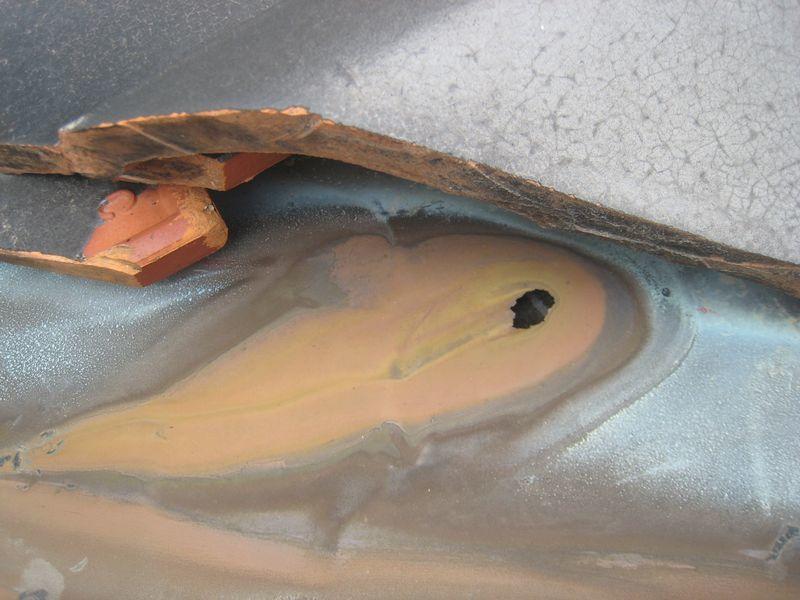 古い瓦屋根の劣化事例_b0131012_13091825.jpg
