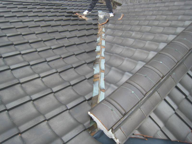 古い瓦屋根の劣化事例_b0131012_13092991.jpg