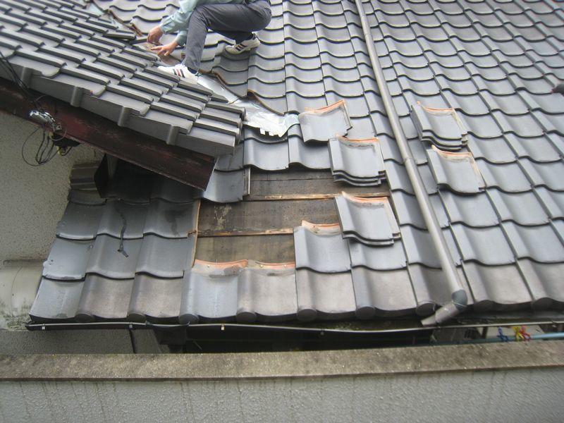 古い瓦屋根の劣化事例_b0131012_13094084.jpg
