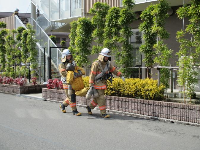 消防避難訓練_b0131135_1921562.jpg