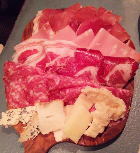 何個でも食べれちゃう♪「PANZEROTTERIA(パンツェロッテリア)」@渋谷_b0051666_1239179.jpg
