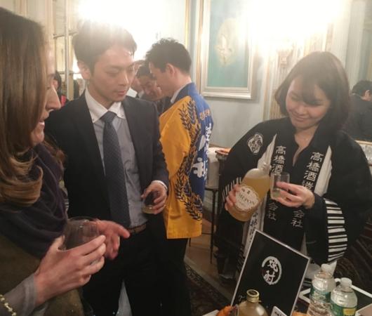 攻めの農水!!! 在NY日本総領事・大使公邸で日本の焼酎イベント開催_b0007805_7261910.jpg