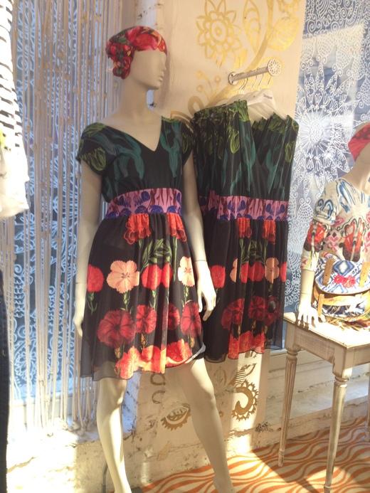 バルセロナ発のカラフルなお洋服_a0136671_551138.jpg