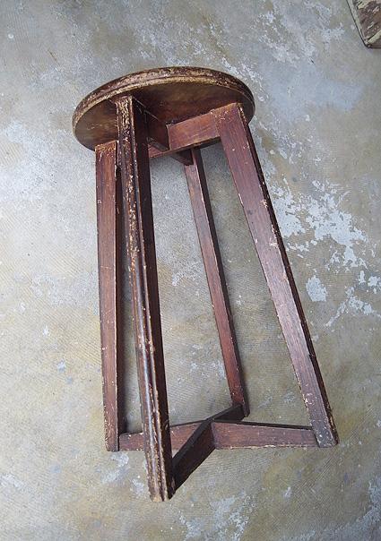 丸椅子_e0111789_17341527.jpg