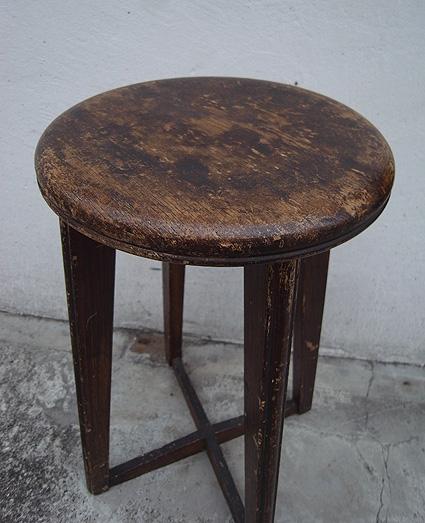 丸椅子_e0111789_17342792.jpg