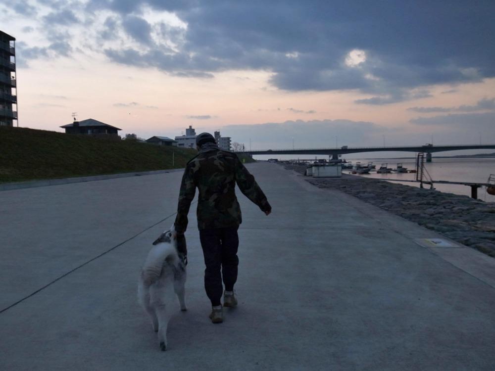 歩く歩く食べる (^o^)_c0049299_2239582.jpg