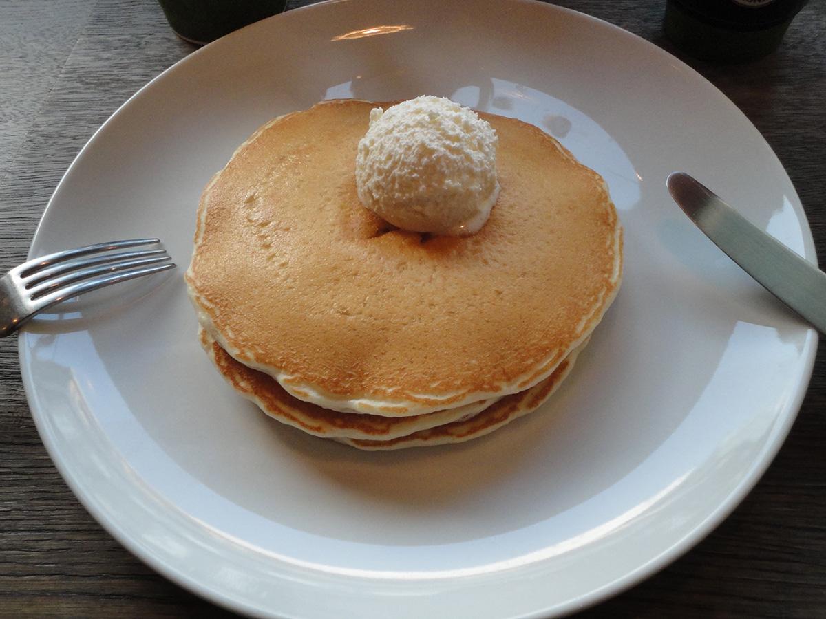 HONOLULU COFFEEでシンプルパンケーキ_e0230011_17481359.jpg