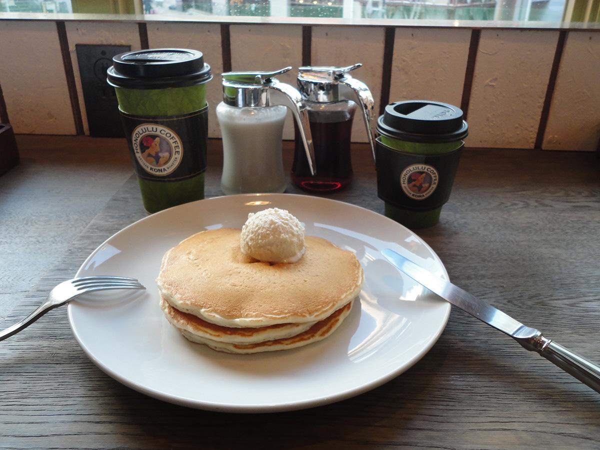 HONOLULU COFFEEでシンプルパンケーキ_e0230011_1754142.jpg