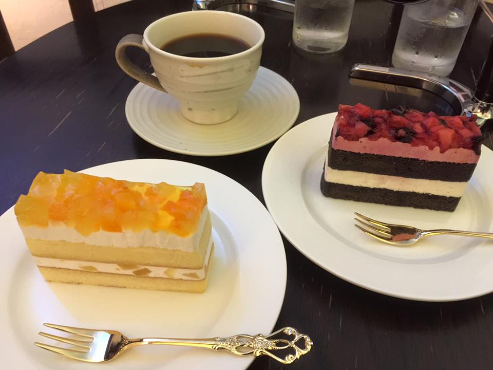 春のケーキ 二種同時スタート!!_e0120837_1930194.jpg