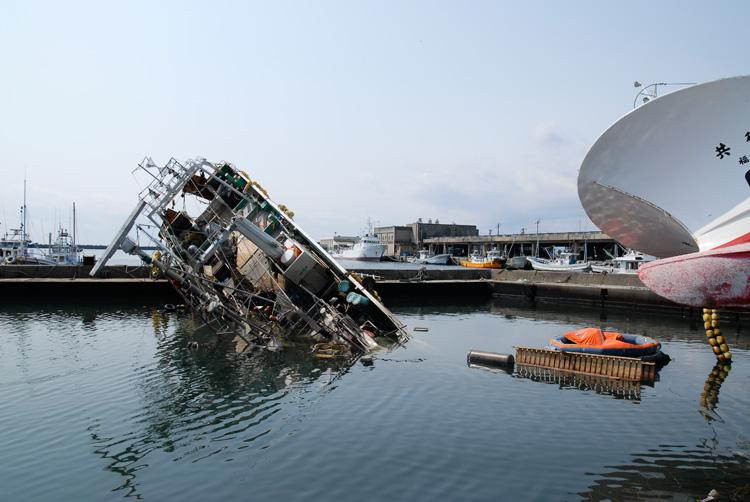 2011年3月25日の小名浜_d0102523_13295213.jpg