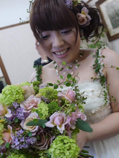 ホワイトデーギフトとバレンタインフラワーギフト、それから5年前の明日の花嫁様より_a0042928_2358121.jpg