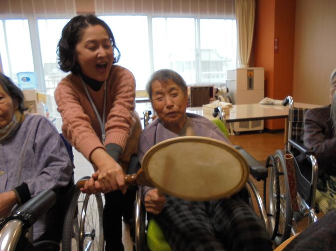 楽しく音楽療法♪_b0131135_18175520.jpg