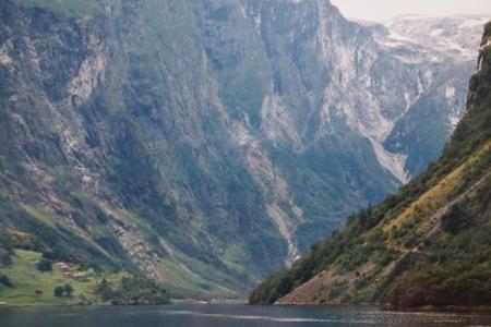 ノルウェーの旅⑬ハルダンゲルフィヨルド_a0292194_1643290.jpg