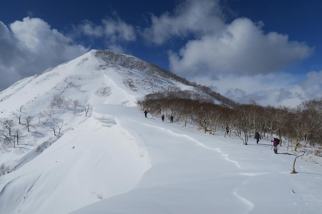 白老岳と北白老岳、3月11日-速報版-_f0138096_1518424.jpg
