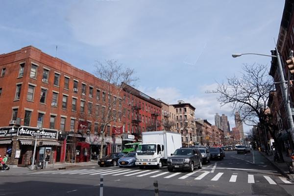 NYミッドタウン・ウェスト、9番街周辺の風景・・・25時間営業中?!_b0007805_10194121.jpg