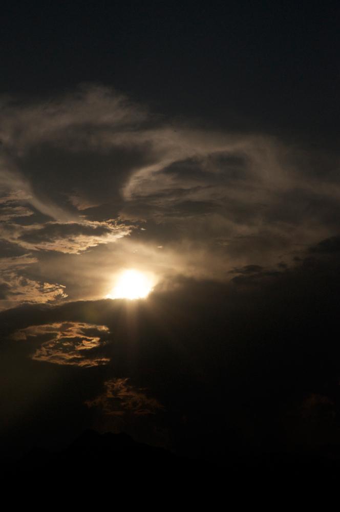 1827日目の「3.11」:真価を問われ、真実への感度を試される日々。_d0018646_0403740.jpg