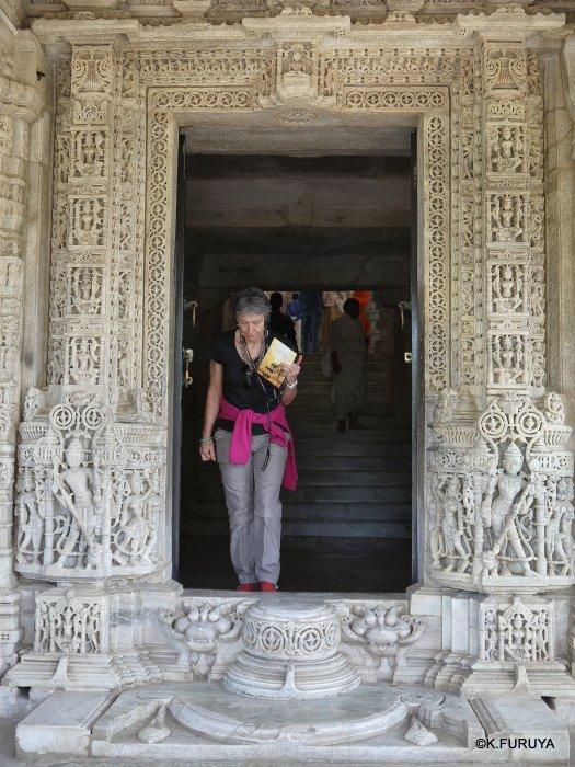 インド・ラジャスタンの旅 11 ジャイナ教の聖地ラーナクプル_a0092659_19421896.jpg