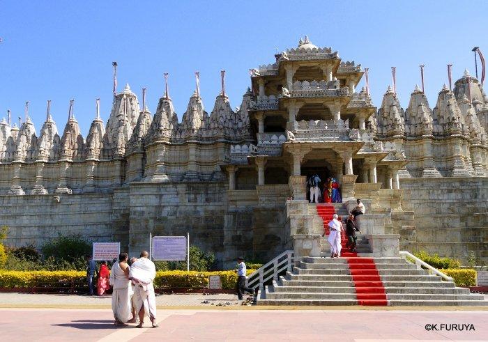 インド・ラジャスタンの旅 11 ジャイナ教の聖地ラーナクプル_a0092659_19451723.jpg
